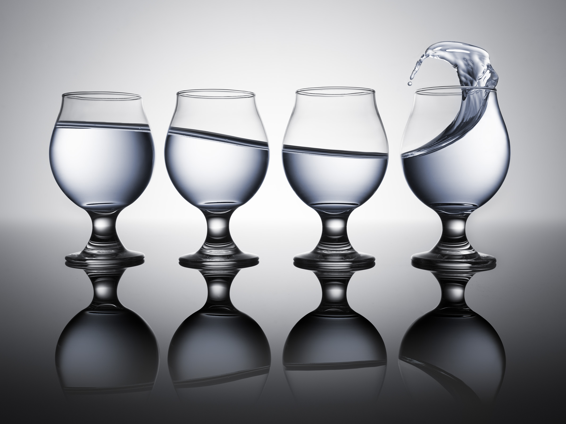4glasses_final_4x3crop